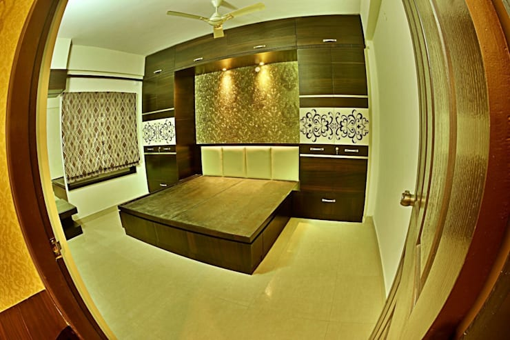 A CREATIVE AXIS INTERIORS PVT LTD PROJECT 1:  Bedroom by Creative Axis Interiors Pvt. Ltd.