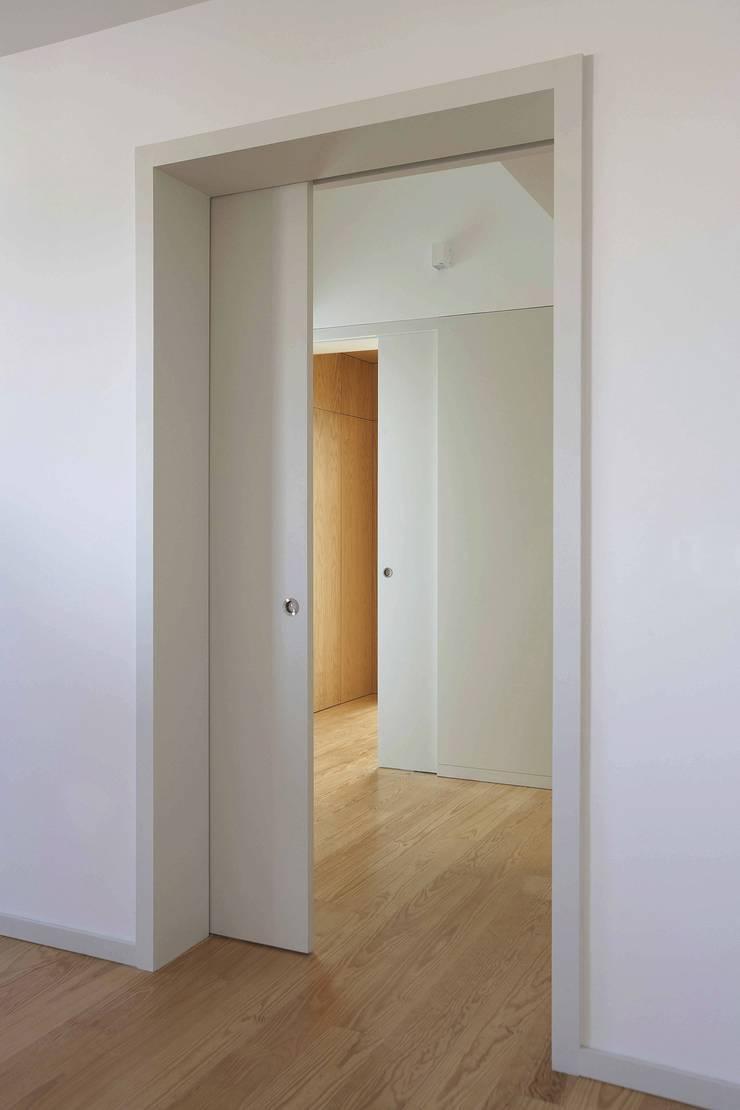 Corridor & hallway by m2.senos, Classic