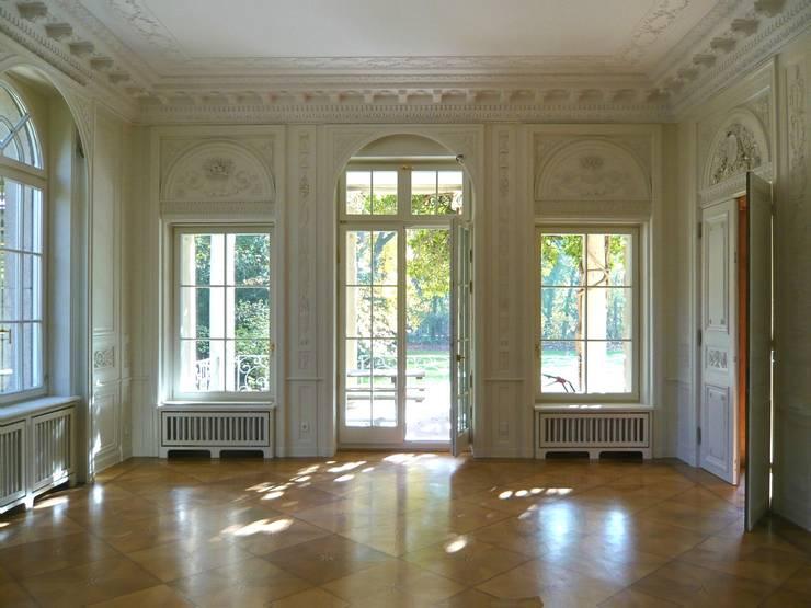 erfolgreiche Restaurierung II:  Esszimmer von Atelier von Wecus
