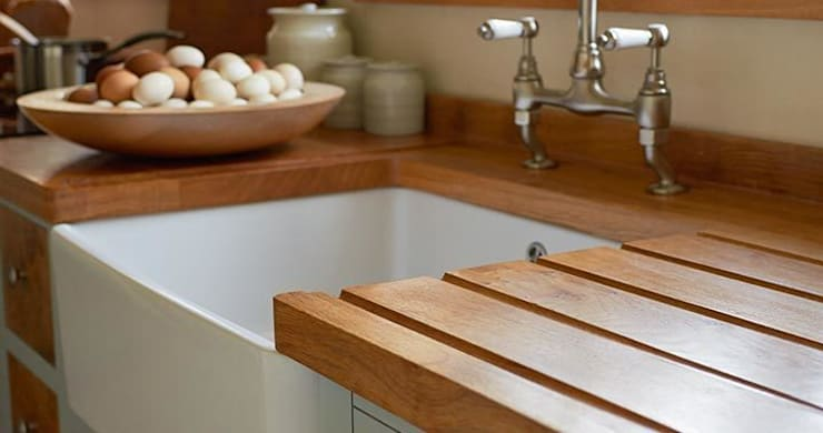 Cottage Kitchen By Luxmoore & Co:  Kitchen by Luxmoore & Co