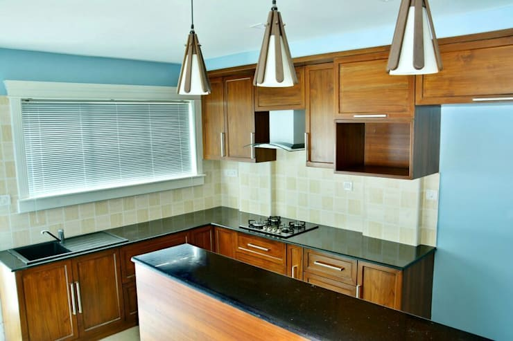 A CREATIVE AXIS INTERIORS PVT LTD PROJECT 2:  Kitchen by Creative Axis Interiors Pvt. Ltd.