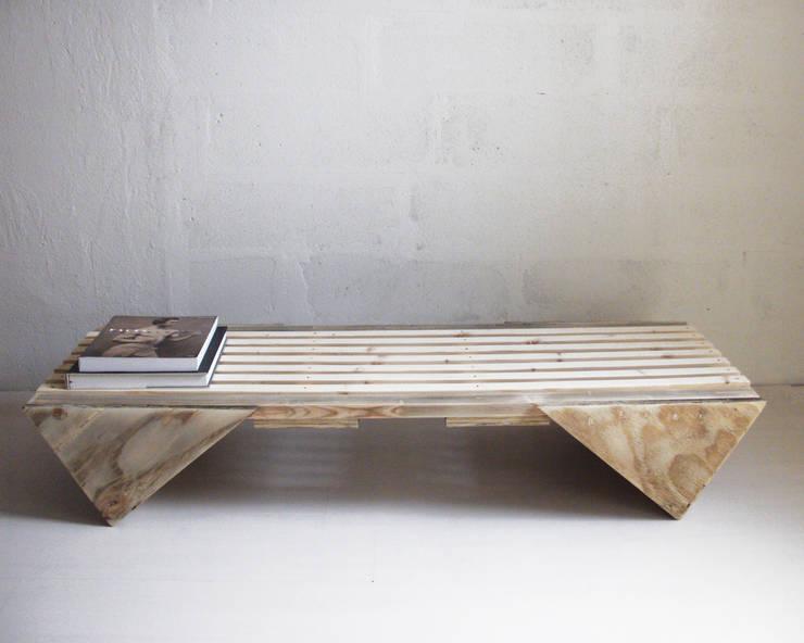 Bench - THOMAS: minimalistische Wohnzimmer von muskat18