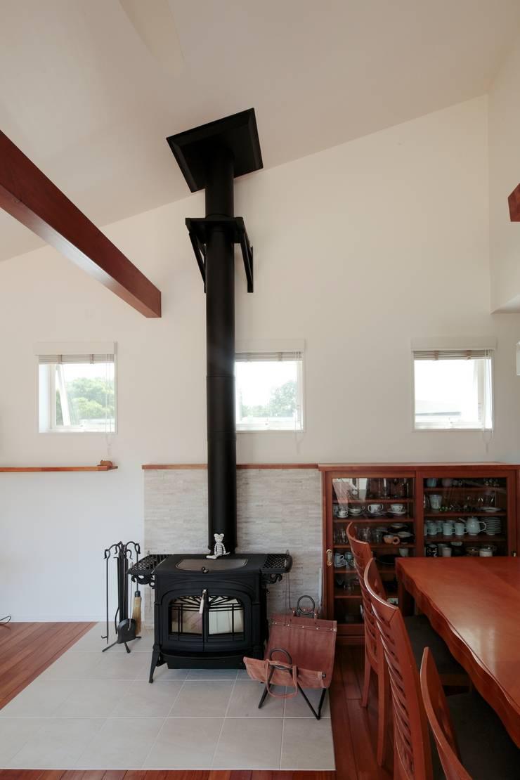 すべり台の家: 一級建築士事務所あとりえが手掛けたダイニングです。,