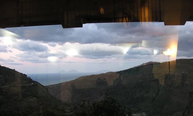 Jendela oleh Studio di Progettazione Arch. Tiziana Franchina, Mediteran