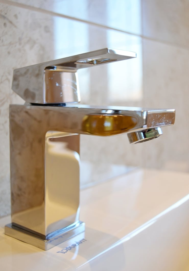 Polished Marble En Suite - Grohe Basin Mixer:  Bathroom by Loveridge Kitchens & Bathrooms