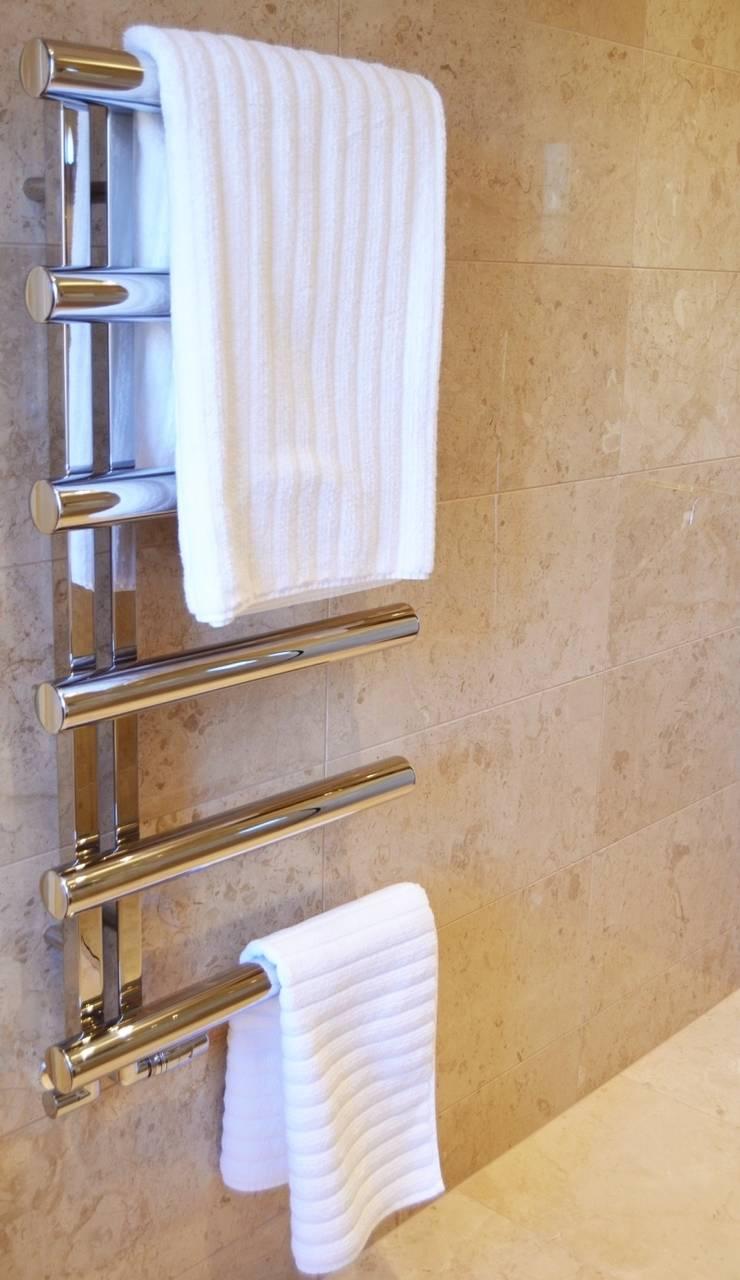 Polished Marble En Suite - Chimes Heated Towel Rail:  Bathroom by Loveridge Kitchens & Bathrooms