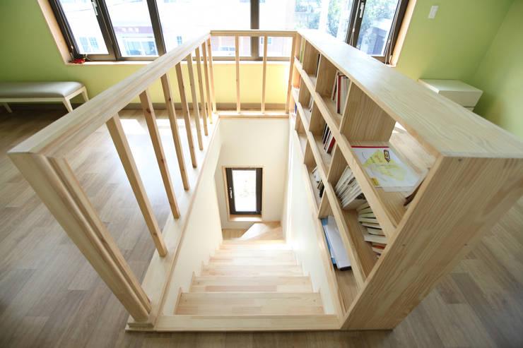 الممر والمدخل تنفيذ 주택설계전문 디자인그룹 홈스타일토토