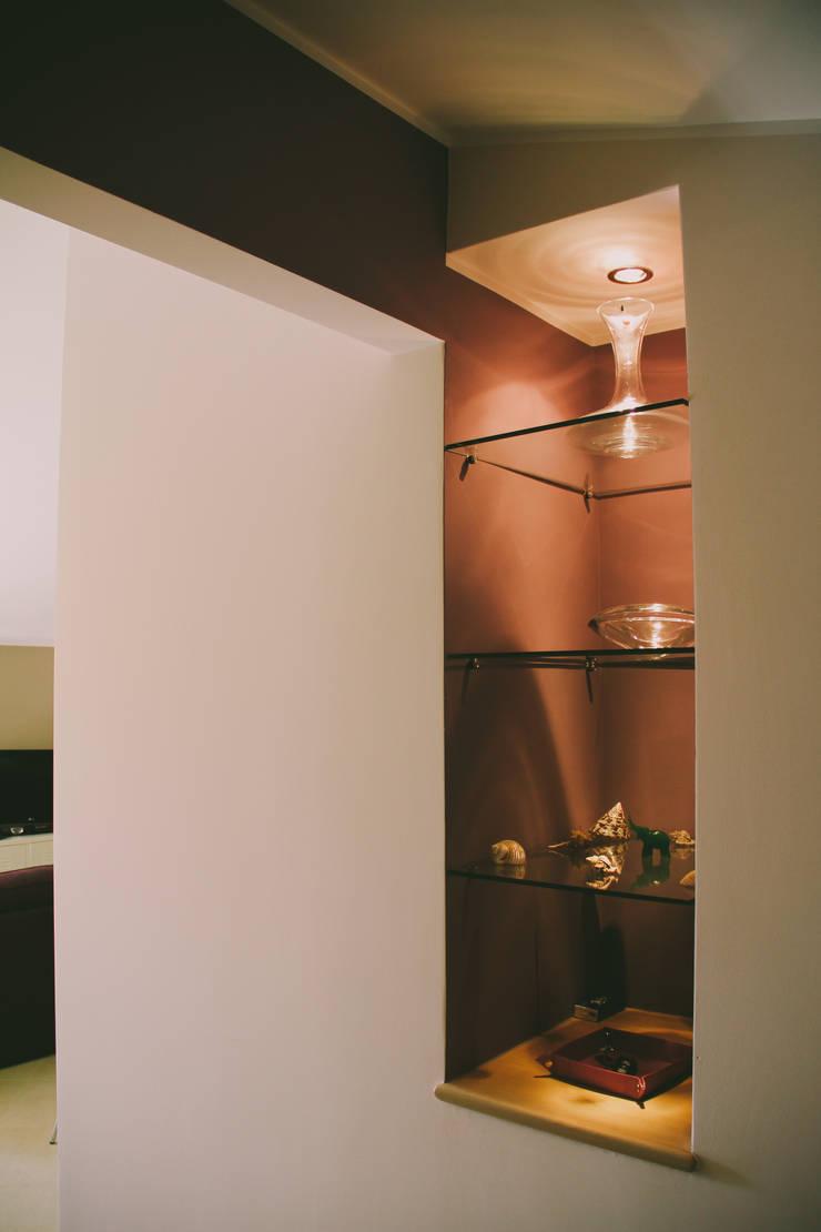 Koridor dan lorong oleh Studio di Progettazione Arch. Tiziana Franchina, Modern