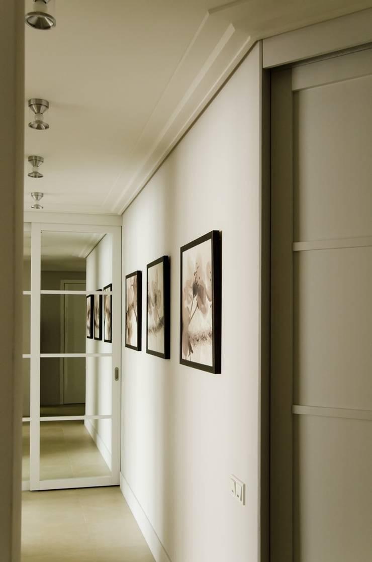 Квартира 180 кв.м. на Вернадском проспекте, Москва: Коридор и прихожая в . Автор – Дизайн-бюро Галины Микулик