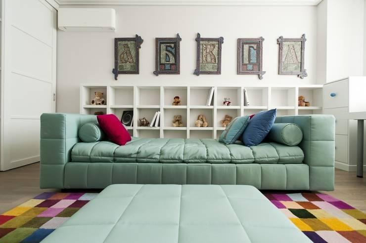 Квартира 180 кв.м. на Вернадском проспекте, Москва: Детские комнаты в . Автор – Дизайн-бюро Галины Микулик