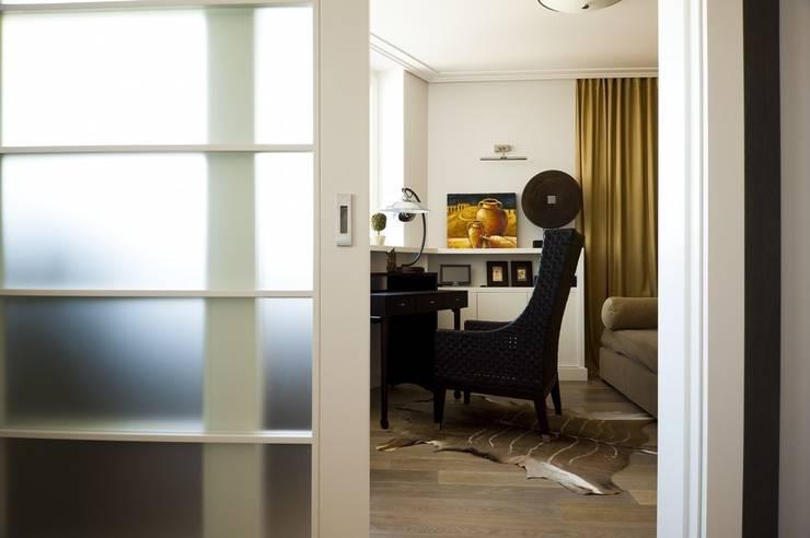 Квартира 120 кв.м. на ул. Комарова, Москва: Рабочие кабинеты в . Автор – Дизайн-бюро Галины Микулик