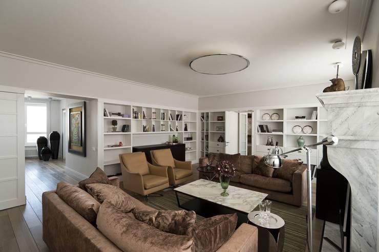 Квартира 120 кв.м. на ул. Комарова, Москва: Гостиная в . Автор – Дизайн-бюро Галины Микулик