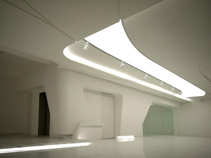 White Wave @ Casa W: Design Tomorrow INC.의  거실,미니멀