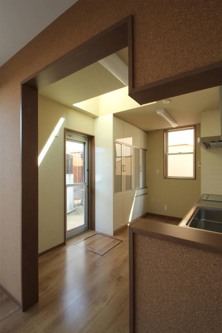 キッチン オリジナルデザインの キッチン の 三浦喜世建築設計事務所 オリジナル