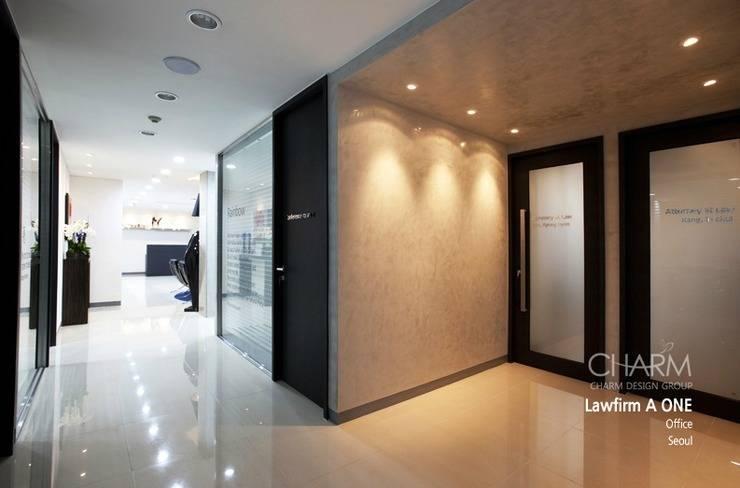 Edificios de Oficinas de estilo  por 참공간 디자인 연구소