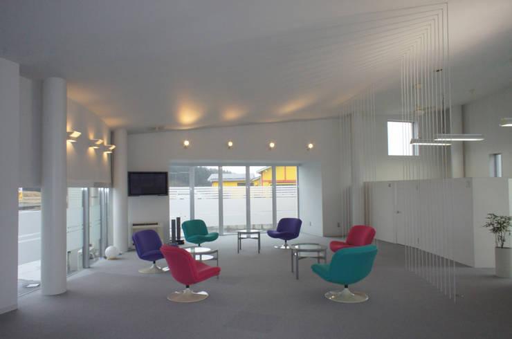 白の医院: たわら空間設計㈲が手掛けた医療機関です。,オリジナル