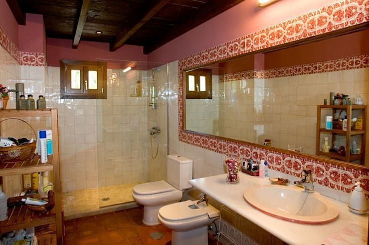Classic style walls & floors by Suelos Hidráulicos Demosaica Classic