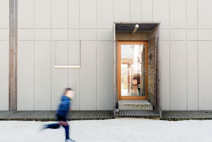 Houses by paolo carlesso architetto, Minimalist