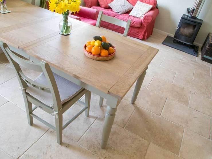 KITCHEN TILES:  Kitchen by DT Stone Ltd