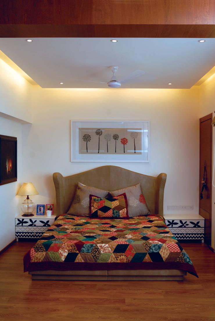 Fusion interiors :  Bedroom by The Orange Lane,Minimalist