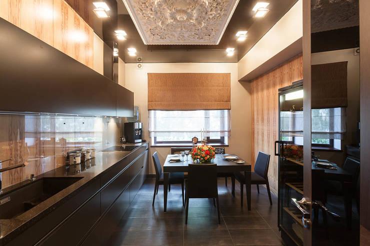 Офис с камином.: Кухни в . Автор – Дизайн интерьера Проценко Андрея