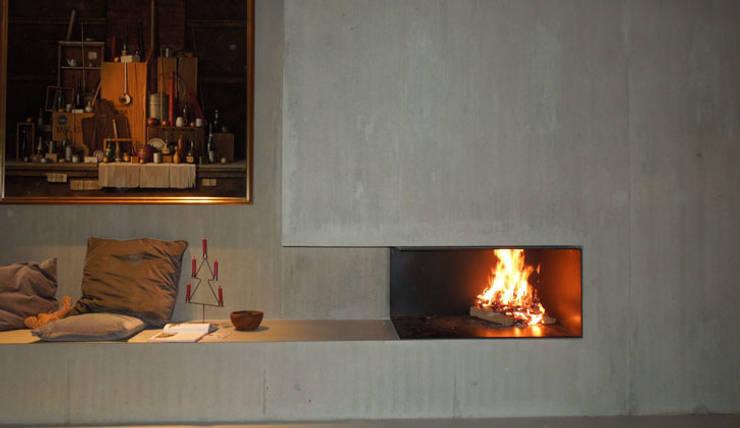Salon de style de style Moderne par Vereinigte Riederinger Hafnerei GmbH