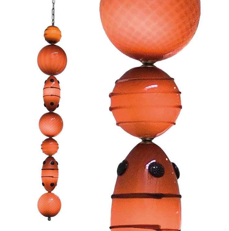 Muurbloem Design Studio Chandelier of Beads:  Gang, hal & trappenhuis door Muurbloem Design Studio