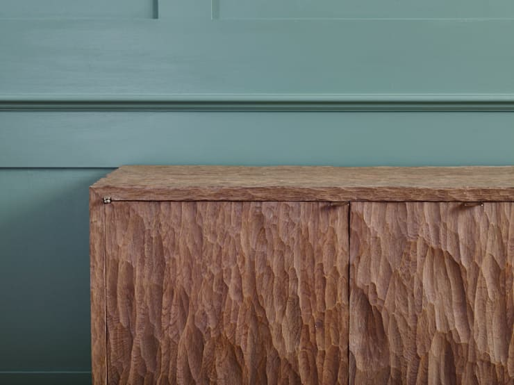 Adzed cabinet:  Living room by muto