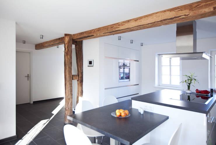 Anbau & Sanierung Fachwerkhaus:  Küche von Fachwerk4 | Architekten BDA