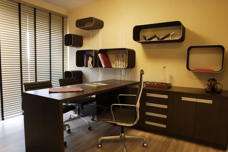 Projeto arquitetônico do apartamento decorado Platanos: Escritórios  por ArchDesign STUDIO