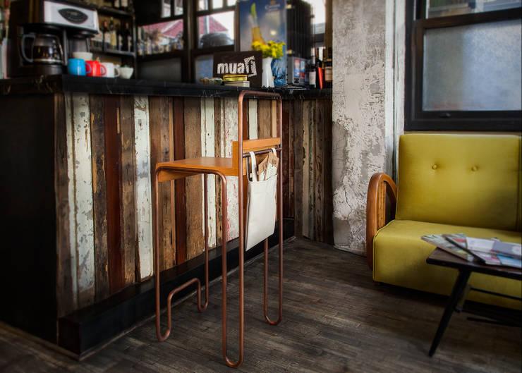Lab::istanbul – Droop Bar Taburesi: endüstriyel tarz tarz Yemek Odası
