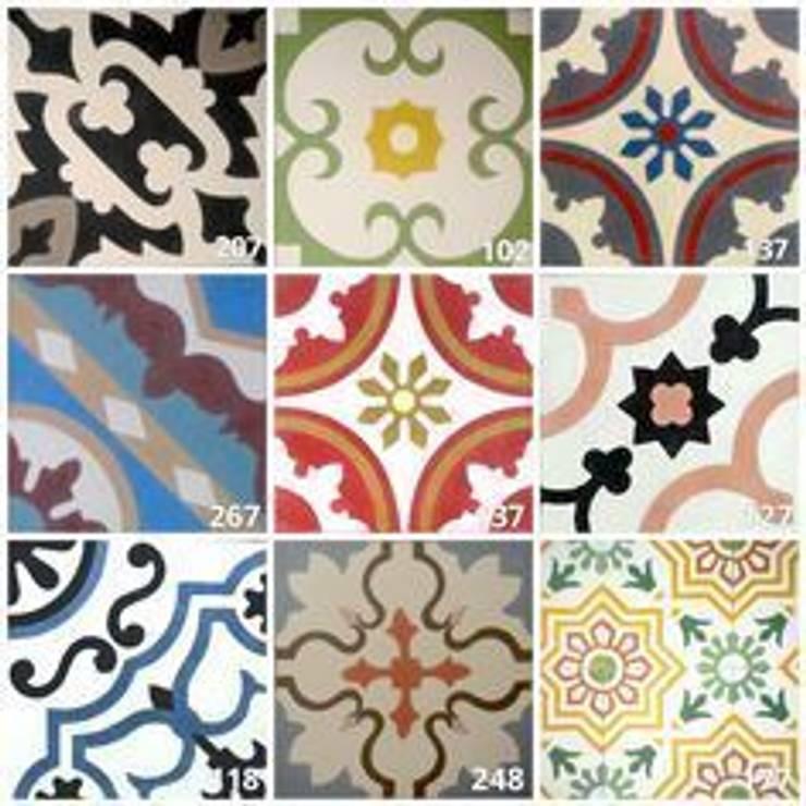 Diseño Tradicional: Paredes de estilo  de Suelos Hidráulicos Demosaica