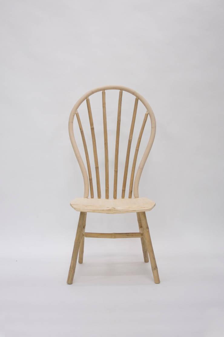 Bamboo Windsor Chair:  Woonkamer door Bo Reudler Studio