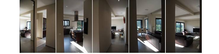 Maison C: Couloir et hall d'entrée de style  par SARA Architecture