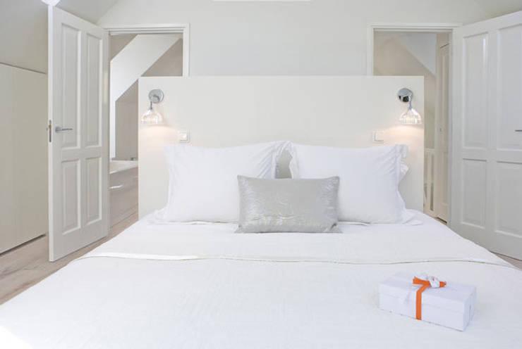 Woonhuis Bergen :  Slaapkamer door By Lenny