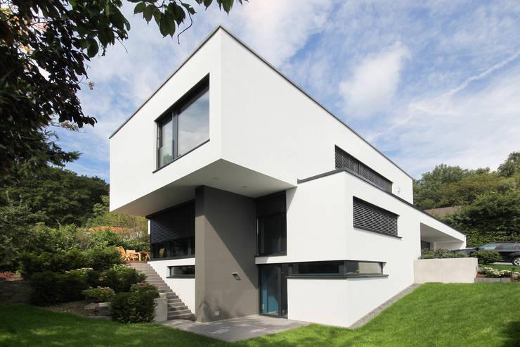 Neubau Architektenhaus:  Häuser von FLOW.Generalunternehmer