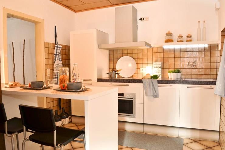 Solide Doppelhaushälfte in Selm:  Küche von Jokiel Immobilien