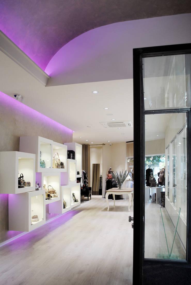 Vista general interior: Oficinas y Tiendas de estilo  de interior03