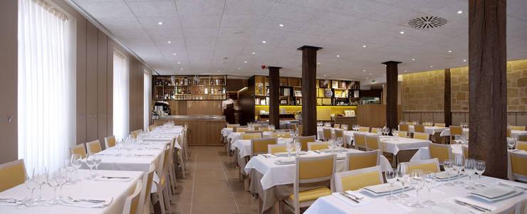 Restaurante La Vasca: Locales gastronómicos de estilo  de interior03