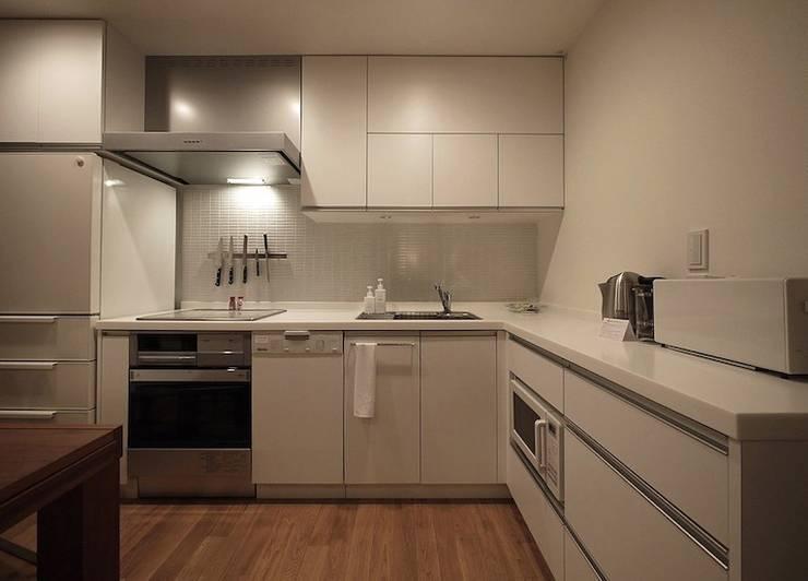 HANGETSU: ヒココニシアーキテクチュア株式会社が手掛けたキッチンです。