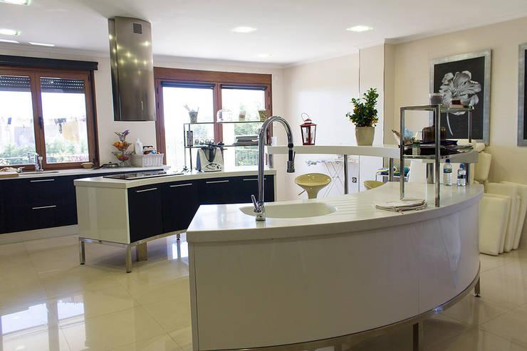 Kitchen by Rubén Sánchez Albillo. Arquitecto