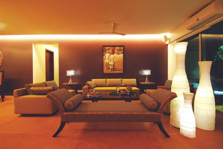 Modern Living :  Living room by The Orange Lane