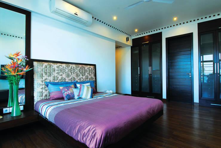 Modern Living :  Bedroom by The Orange Lane