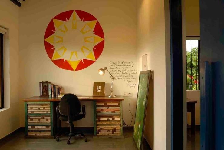Studeerkamer/kantoor door The Orange Lane