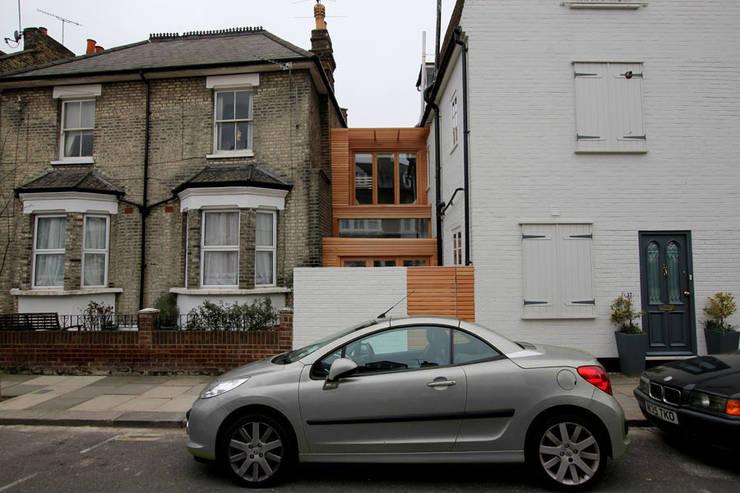 Casas modernas por Affleck Property Services