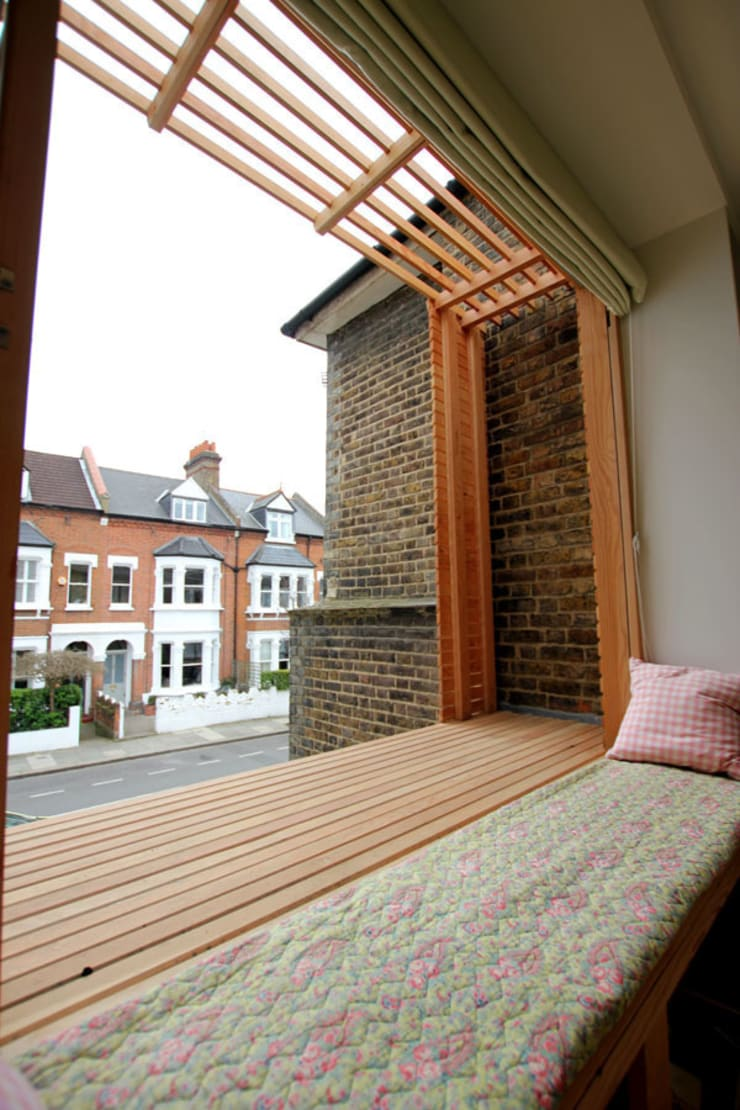 Timber window seating :  Bedroom by Affleck Property Services
