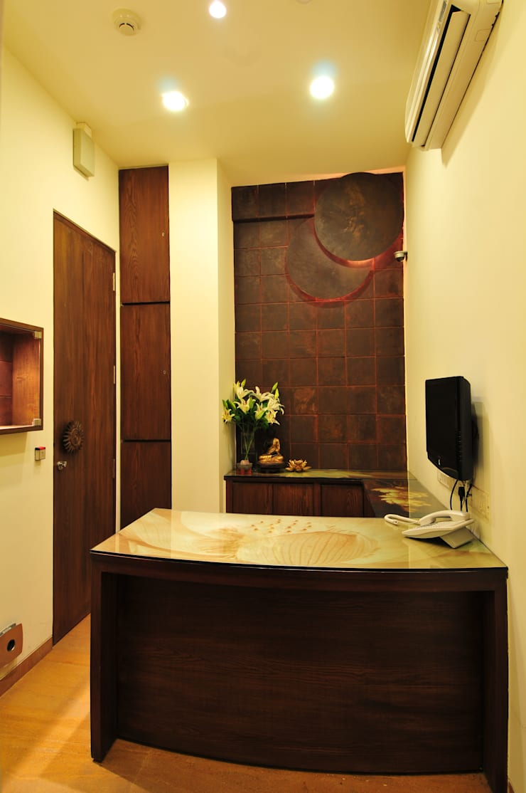Vistara Jewellers :  Commercial Spaces by The Orange Lane