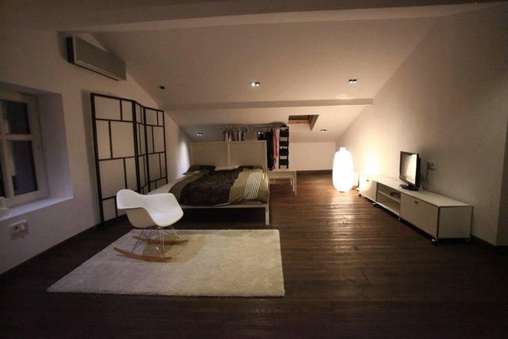 ksawery brick house: styl , w kategorii Sypialnia zaprojektowany przez REFORM Konrad Grodziński