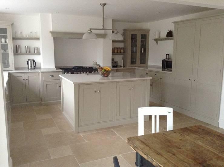 Dijon Tumbled Limestone - Mushroom  Kitchen:  Kitchen by Floors of Stone Ltd