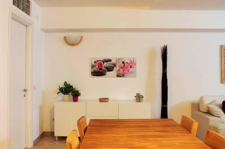 Zona pranzo dopo: Sala da pranzo in stile in stile Moderno di LET'S HOME